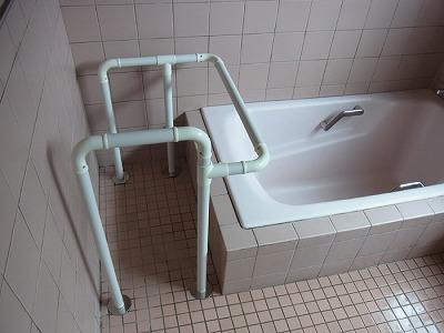 浴槽 手すり 強度 使いやすい