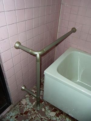浴室 特注ベース 支柱立て