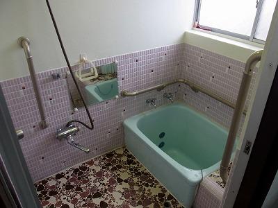 浴室 手すり 浴槽